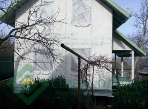 Наружные стены обработаны кварцгрунтом